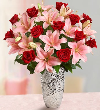 Romantic Rose and Lily Bouquet