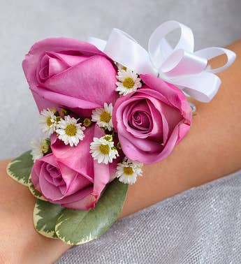 wedding corsages wedding boutonniere. Black Bedroom Furniture Sets. Home Design Ideas