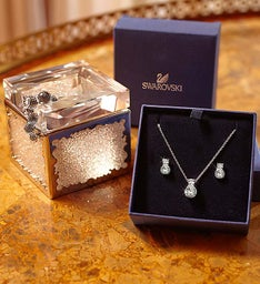 SWAROVSKI® Lavish Luxuries