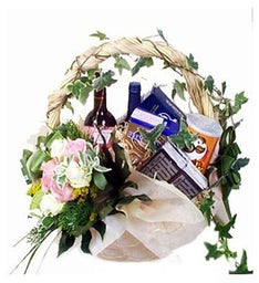 Sweety Seasons Gift Basket