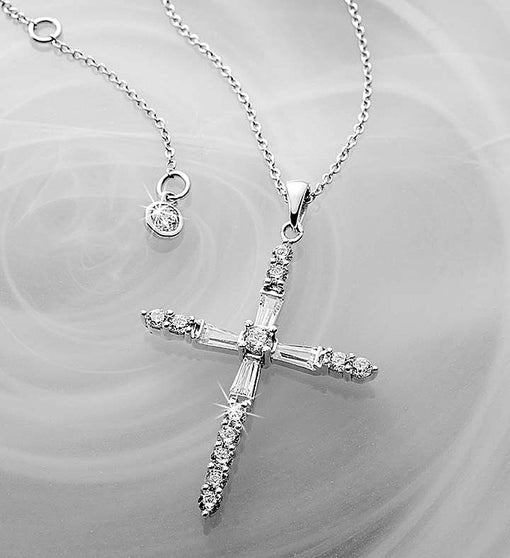 Crislu® Cross Pendant