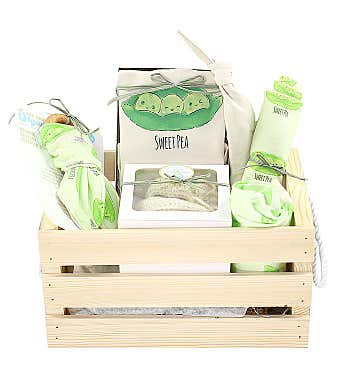 Personalized I've Arrived Organics Baby Gift Crate