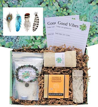 Feathers Good Vibes Women's Gift Box